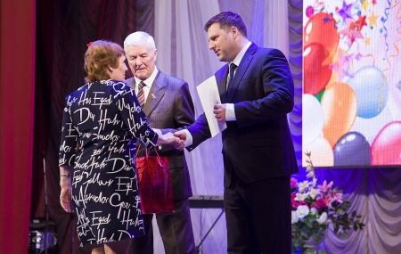 Евгений Рычков наградил лучших коммунальщиков
