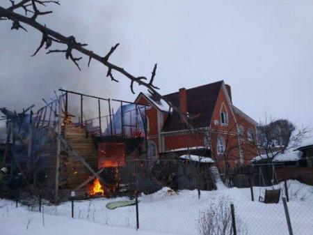 В Муроме пожар уничтожил частный дом, в котором жили шесть человек